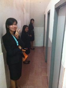 car ici comme partout, on va aux toilettes en groupes de filles, lol