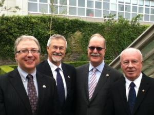 the three Canadian Commissioners, Boileau, Carrier and Fraser with their Ambassador in Dublin, credit François Boileau (website http://www.csf.gouv.on.ca/blogue/?lang=fr)