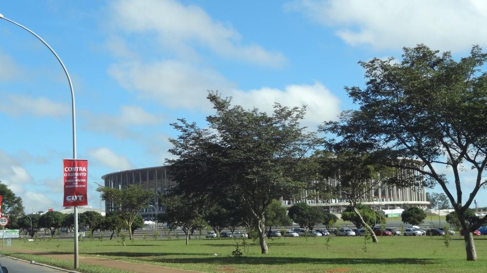 Views and Bridges: Cosmopolitan Brazil, from Avenue to Rua Simon Bolivar  (2/6)